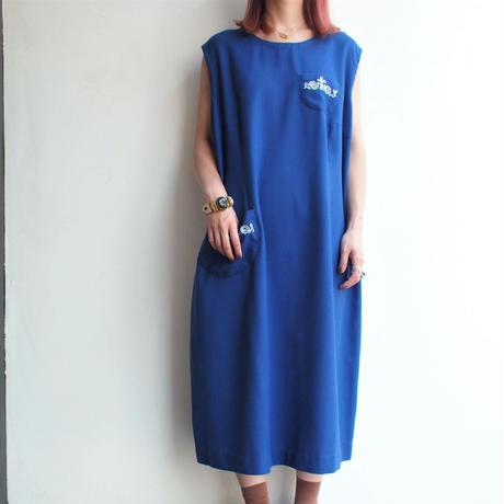 Small chain stitch blue sleeveless dress