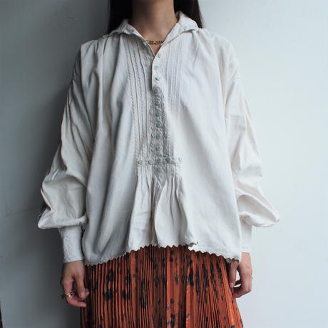 Early  1900's  antique  blouse