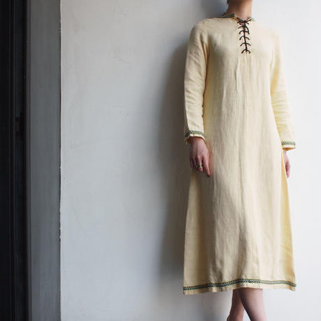 1970's Embroidered tapes lace-up dress