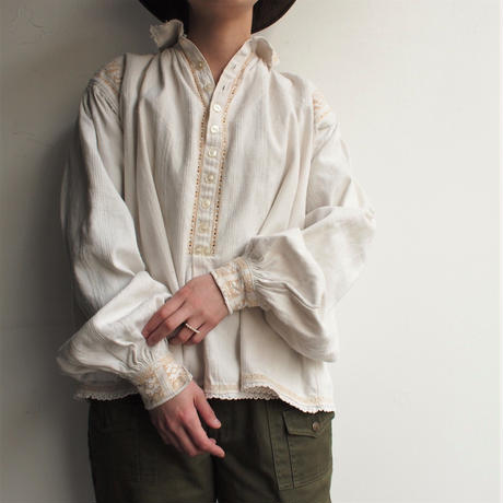 1940's East europe Big sleeve blouse