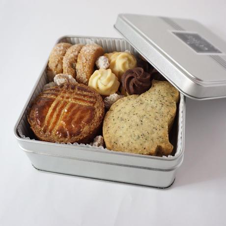 【再々販☆】CUIRE 数量限定クッキー缶☆