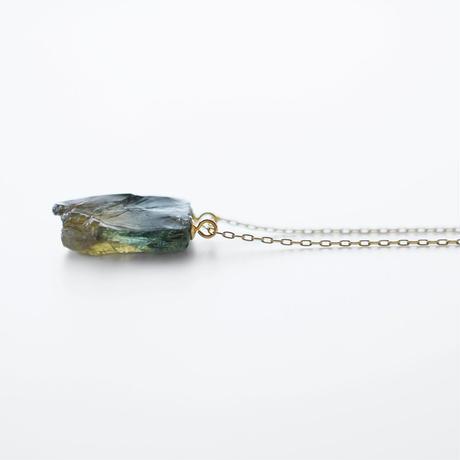 天然石ネックレス/バイカラーサファイア原石