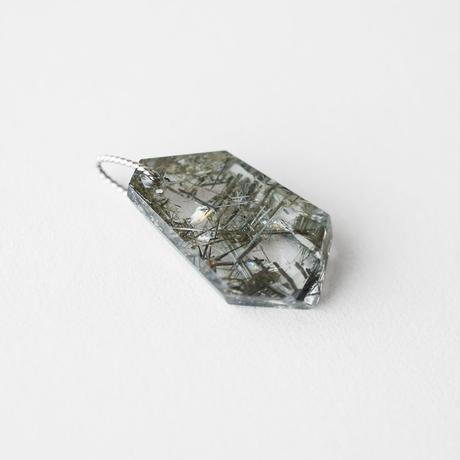 天然石ペンダントトップ/ブルッカイト イン クオーツ