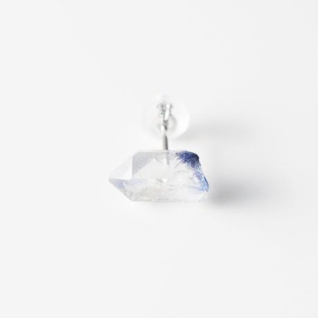 片耳ピアス/デュモルティエライト イン クオーツ結晶
