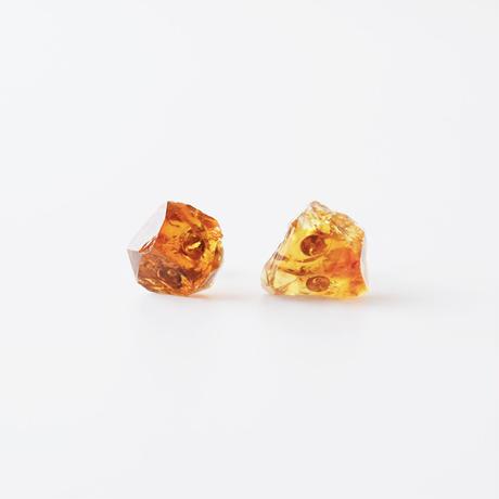 天然石ピアス/マディラシトリン原石