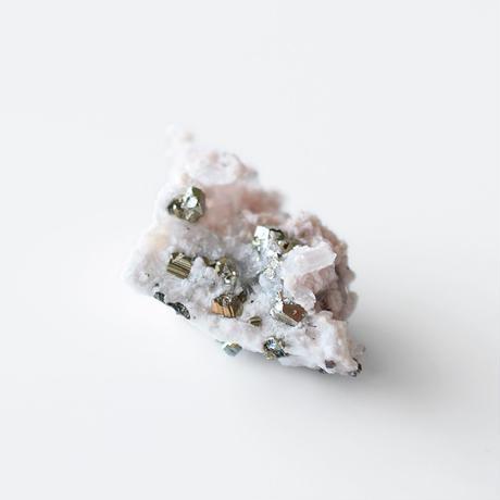 天然石/ロードクロサイト クオーツ&パイライト結晶