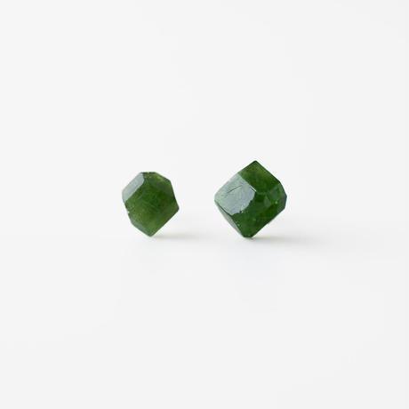 天然石ピアス/クロムトルマリン原石