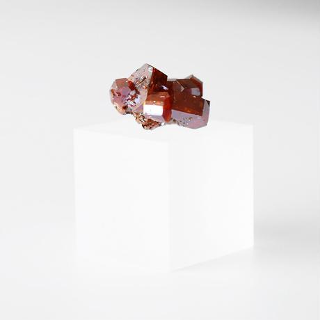 天然石/バナディナイト結晶
