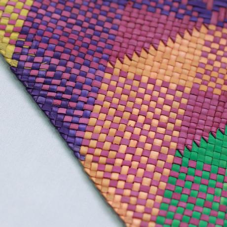 C585,586 模様入りバニーグプレイスマット(紫・オレンジ) 縦32 x 横42 cm