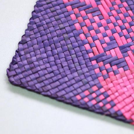 C582-584,664 模様入りバニーグプレイスマット(紫・ピンク)  縦32 x 横42 cm
