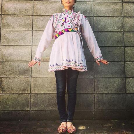 ヴィンテージ   インド・グジャラート州刺繍 ジャケット