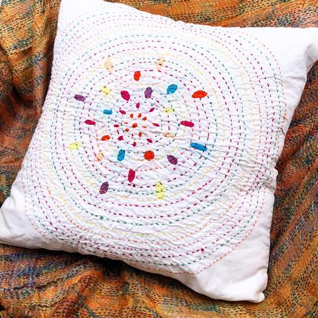 RJASTHAN 伝統刺繍クッションカバー