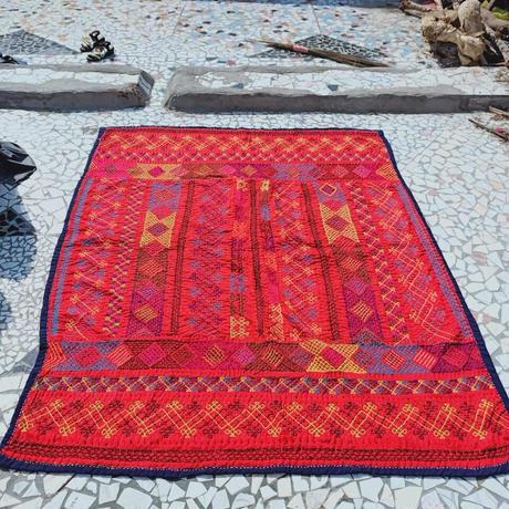 蛇遣い族 Kalbeliya 伝統刺繍ラグ- H21