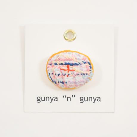 """gunya""""n""""gunya drawingブローチ"""