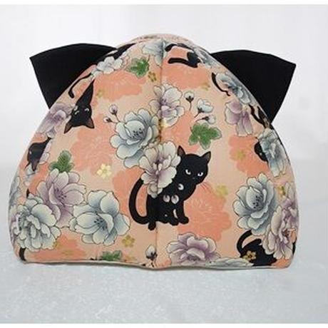 黒猫と牡丹