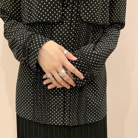 dot blouse