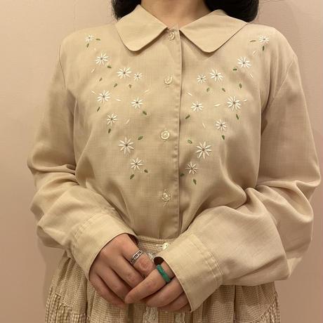 刺繍blouse