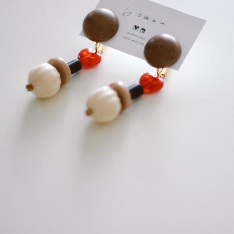 Aimee / vintage beads earring