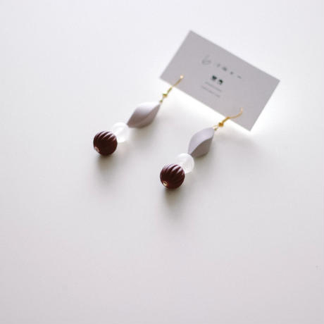 Anna / vintage beads pierce