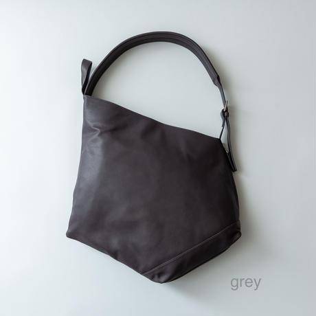 ruck-tote leather