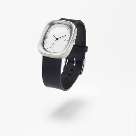 window / wrist watch brown leather