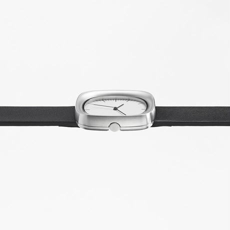 window / wrist watch black leather