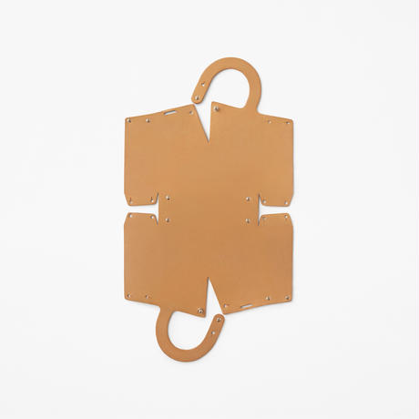 UP TO YOU ANTHOLOGY  mai / Leather round S
