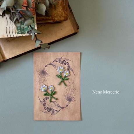 ブルーの小さなお花/2枚セット/刺繍アイロンワッペン