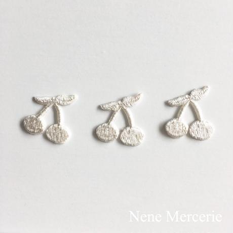 さくらんぼ/ホワイト/3枚セット/刺繍アイロンワッペン