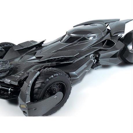 ディーシー メビウスモデル MOEBIUS MODELS Batman v Superman Dawn of Justice 1:25 Scale Batmobile Model Kit