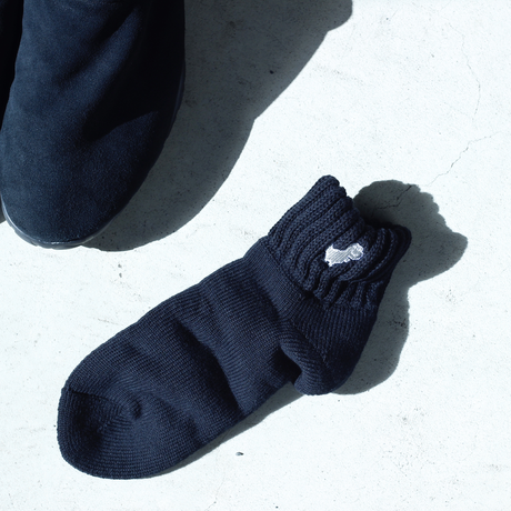 face × post amenities|OFFLINE DINOSAUR SOCKS