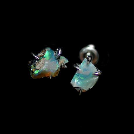 鉱物原石ピアス【エチオピアオパール/B】