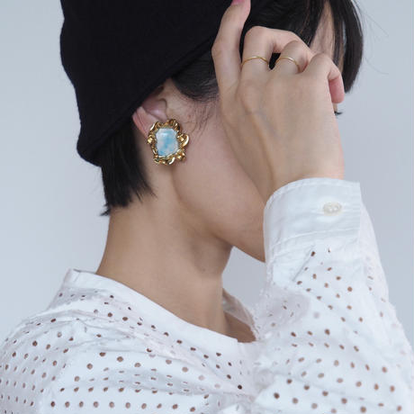 arie:chroma | picture earring (lb)