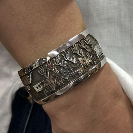 Indian Jewelry HOPI bangle by Watson Honanie