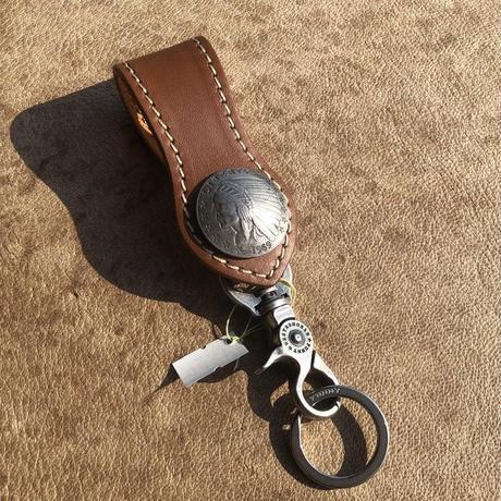 FUNNY Arrow head loop key holder cowhide(ブラウン)