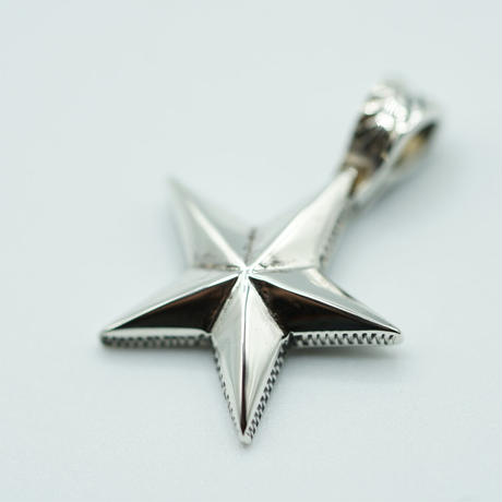 "FUNNY STAR PENDANT ""S"""