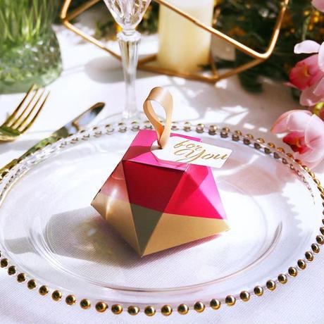 新品送料込 ギフトボックス 50個セット ダイヤモンド形状 赤×金 バレンタイン お誕生日会 結婚式 ラッピング プレゼント