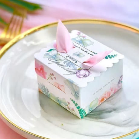 新品送料込 ギフトボックス 50個セット リボン付 バレンタイン お誕生日会 結婚式 ラッピング プレゼント 贈り物