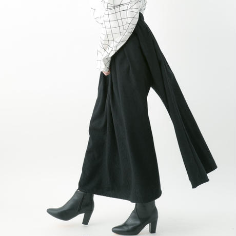 Distortion jacquard skirt pants (RED , BLACK)
