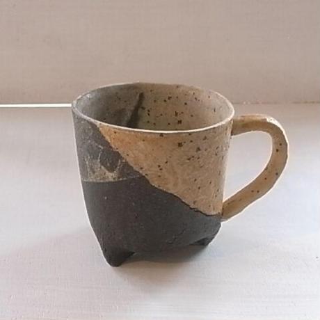 三つ足コーヒーカップ