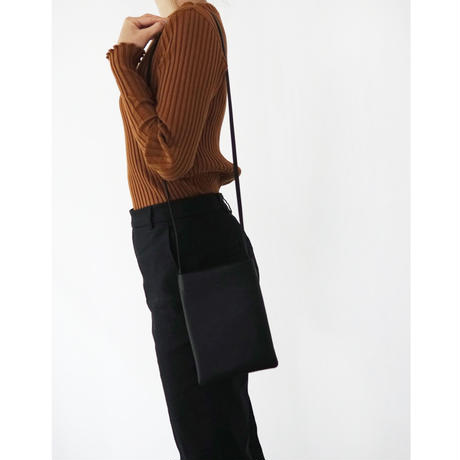 SHOULDERBAG_COW_BLACK