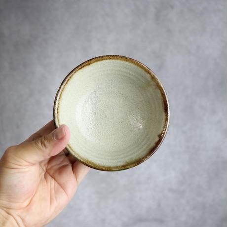 7013033【榮一工房】飴・呉須点打 3.5寸マカイ①