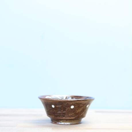 【陶眞窯】イッチン唐草 4寸鉢