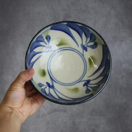 7006030 【陶芸こまがた】6寸鉢 唐草模様(青・緑)