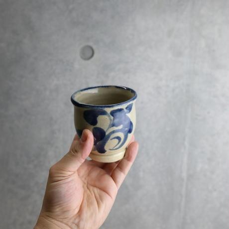 【北窯 松田米司工房】呉須唐草 次郎型湯呑③