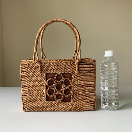 お花の透かし編み角バッグ
