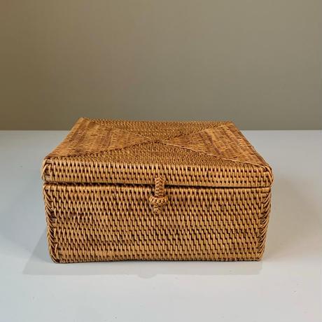 フタ付きの正方形箱18  i-634