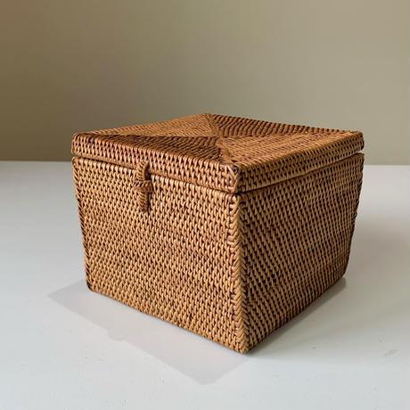 フタ付きの正方形箱15   i-509