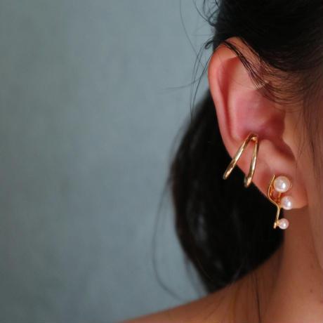 """"""" S """"  gold  pierce/earring"""