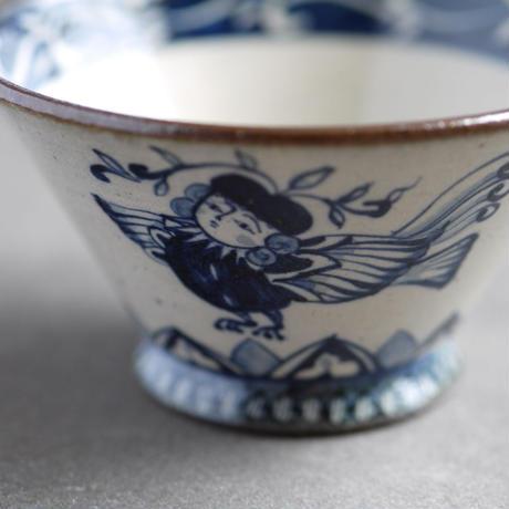 染付 茶碗 / 鳥人間